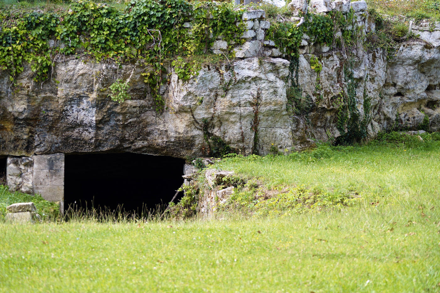 Carrière souterraine du plateau calcaire à Saint-Émilion