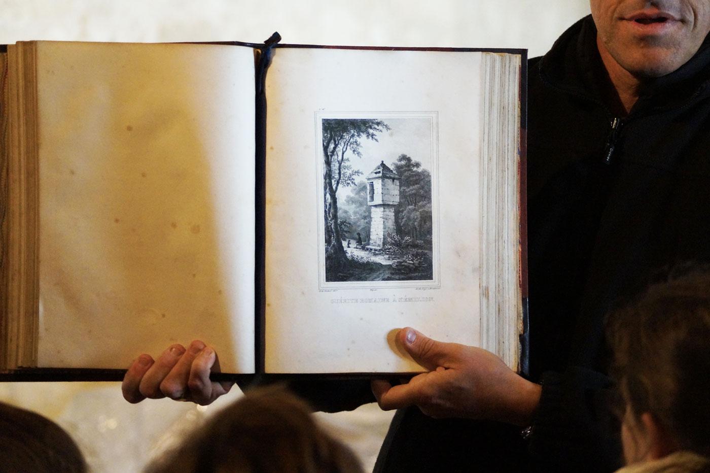 Livre - Représentation d'une guérite romaine à Saint-Émilion