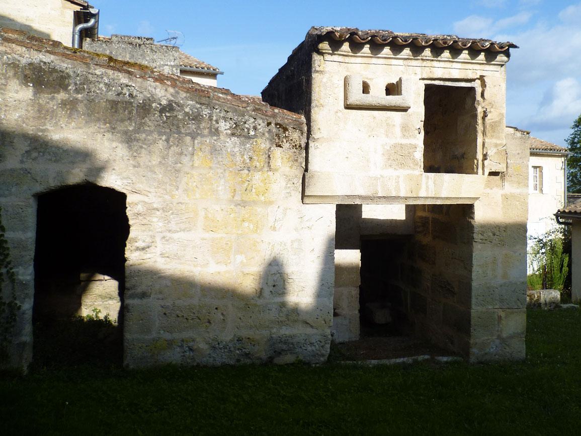 Pigeonnier, petit patrimoine de Saint-Émilion
